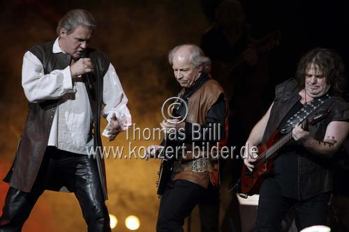 Excalibur - The Celtic Rock Opera gastiert mit Michael Mendl als Zauberer Merlin in der Lanxess-Arena Köln (© Thomas Brill)