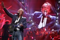 Britische Musiker Mark King gastiert bei der Night of the Proms 2013 in der Lanxess-Arena Köln (© Thomas Brill)